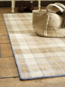 Carpet edging - Easybind applied to tartan rug