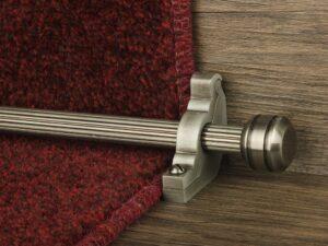 Piston runner carpet rod, fluted rod design, grooved ball end, bracket, pewter