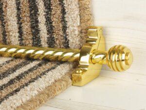 Sphere runner carpet rod, twisted design, grooved ball end, satin brass