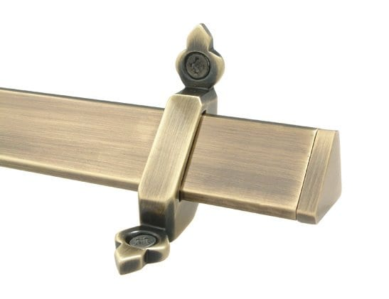 Vue stair rods in antique brass cut-out image
