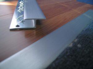 AL10 aluminium door threshold, carpet to hard floor Z bar close up