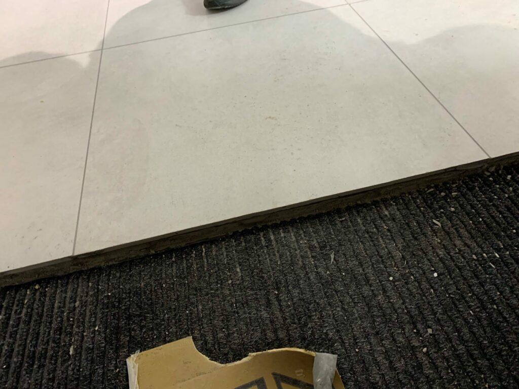 Uneven floor threshold ceramic to carpet
